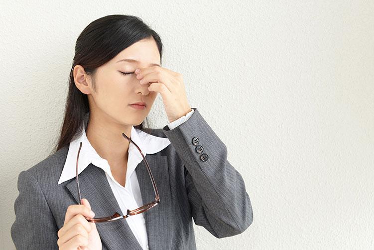 eye strain woman